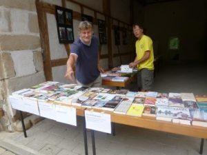 Bücherverkauf! Auch eine Möglichkeit, den Zehntscheuerverein zu unterstützen.
